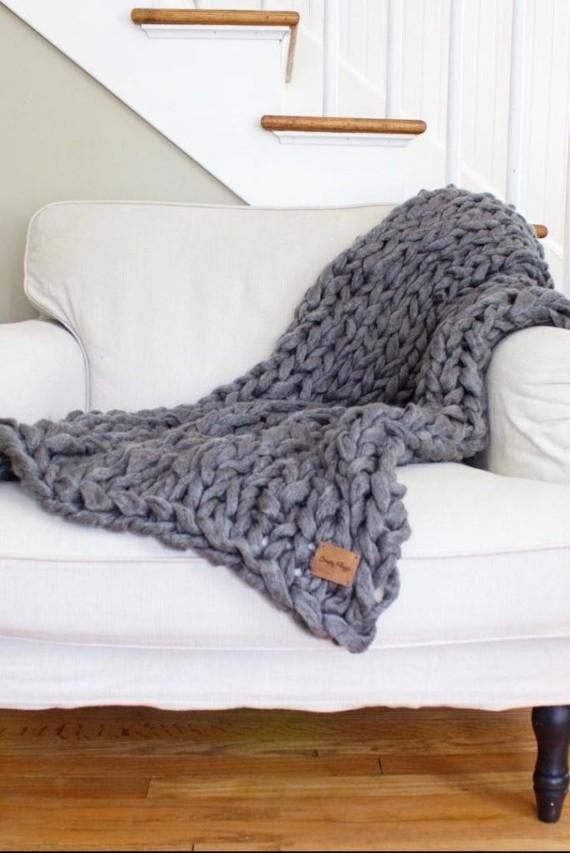 Muttertagsgeschenke basteln DIY gestrickte Wolldecke