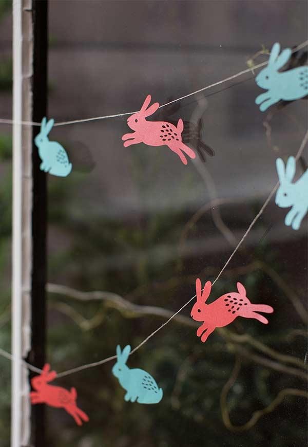 Osterdeko - Girlande mit kleinen Hasen