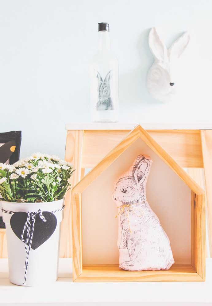 Osterdeko Hase in einer Holzbox