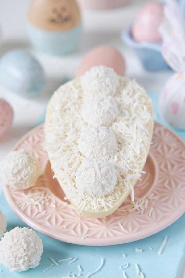 Osterei komplett in Weiß