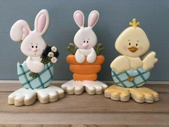 Osterhasen backen Kekse mit Zuckerguss 3D Figuren