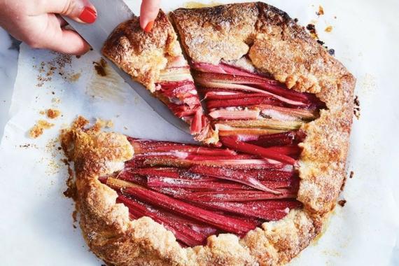 Rezepte mit Rhabarber Frühlingsrezepte Rhabarberkuchen mit Streusel