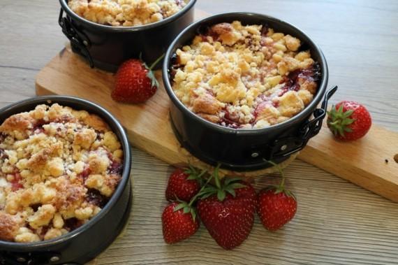Rezepte mit Rhabarber und Erdbeeren FrühlingsrezepteRhabarber Erdbeerkuchen