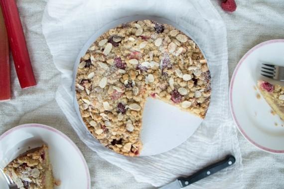 Rezepte mit Rhabarber und Erdbeeren Frühlingsrezepte Rhabarber Erdbeerkuchen mit Streusel