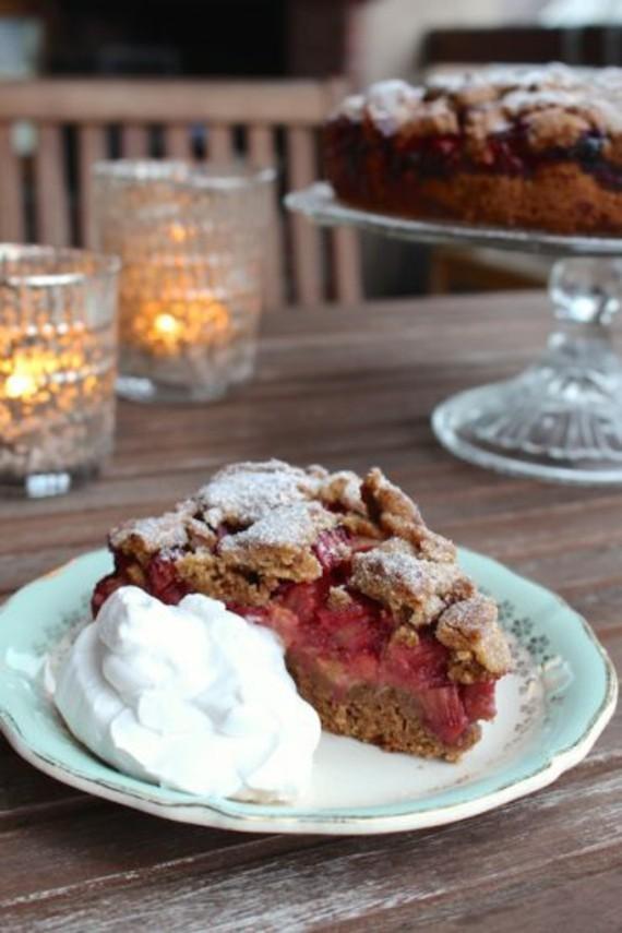 Rezepte mit Rhabarber und Erdbeeren Frühlingsrezepte Rhabarberkuchen mit Streusel
