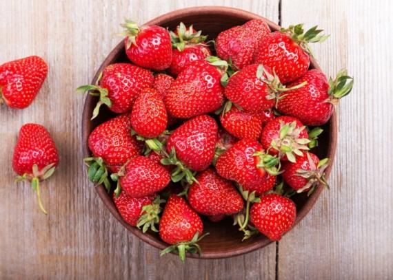 Rezepte mit Rhabarber und Erdbeeren Frühlingsrezepte Streuselkuchen