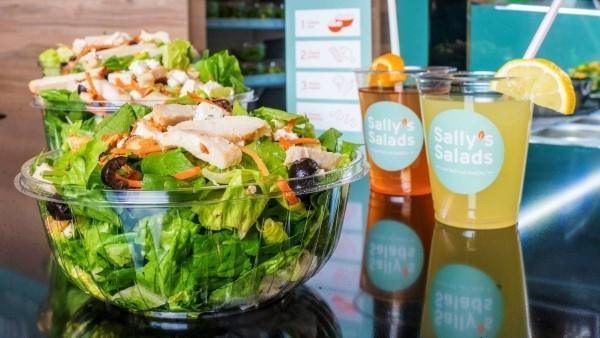 Roboter Köche werden bald unser Brot backen, Kaffee brauen und Salat machen sally salat machine