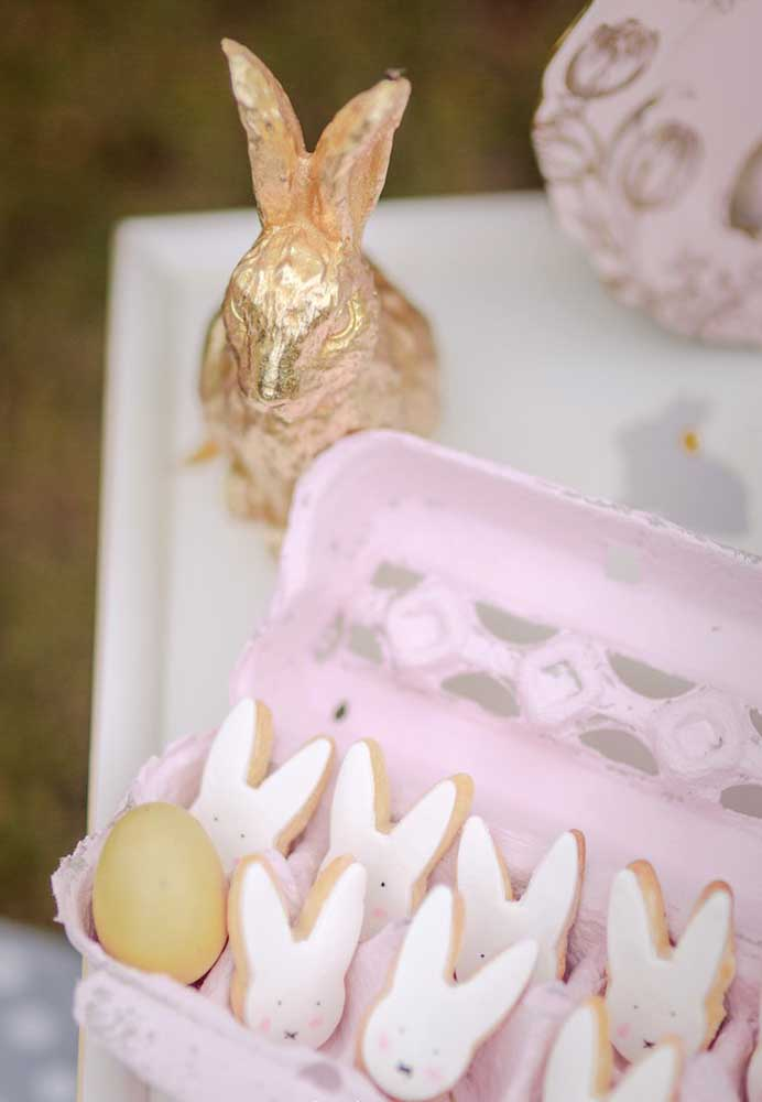 Rosa gefärbte Eierverpackung Osterdeko
