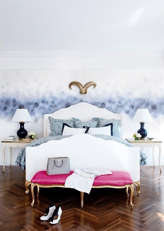 Schlafzimmer Ideen frische Farben und verspielte Muster Farbakzent in Violett