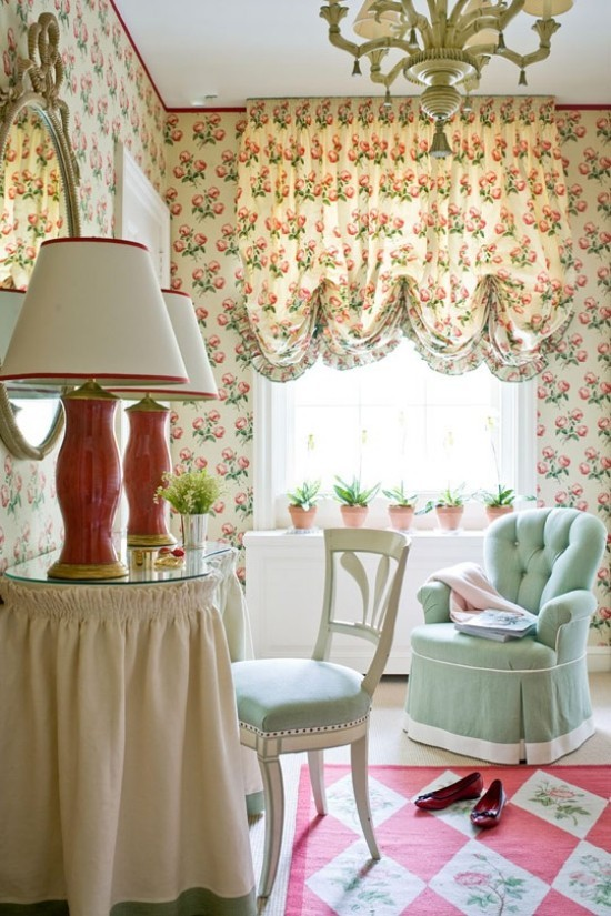 Schlafzimmer Ideen interessante Raumgestaltung florale Muster weiche Texturen