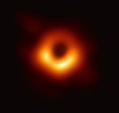 Schwarzes Loch von M87 zum ersten Mal fotografiert