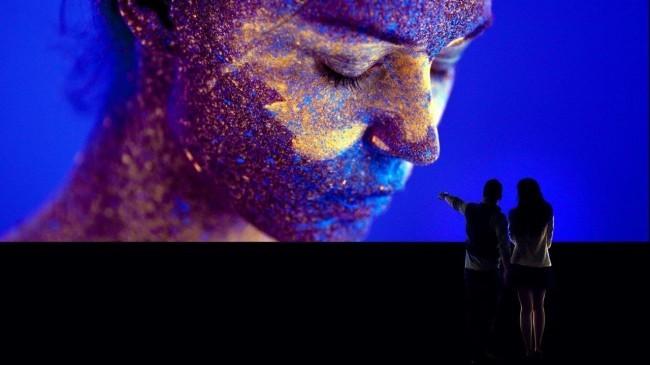 Sony zeigt erstes 16K Display, das großer als ein Bus ist crystal led displays von sony