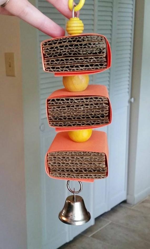 Spielzeug für Wellensittiche basteln Ideen Karton