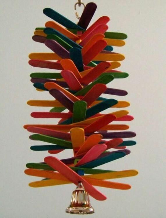 Spielzeug für Wellensittiche basteln Ideen Stäbchen
