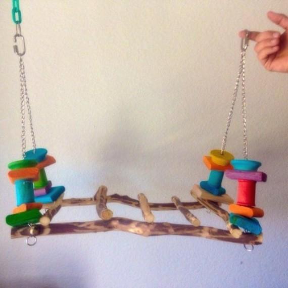 Spielzeug für Wellensittiche basteln Vogelspielzeuge Schaukel