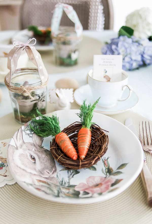 Tisch-Ideen mit Hasen-Osterdeko