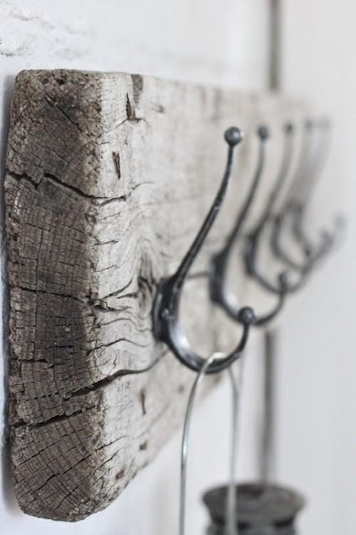 Treibholz im Interieur Altholz als Hakenhänger
