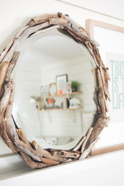 Treibholz im Interieur einzigartiger Spiegelrahmen