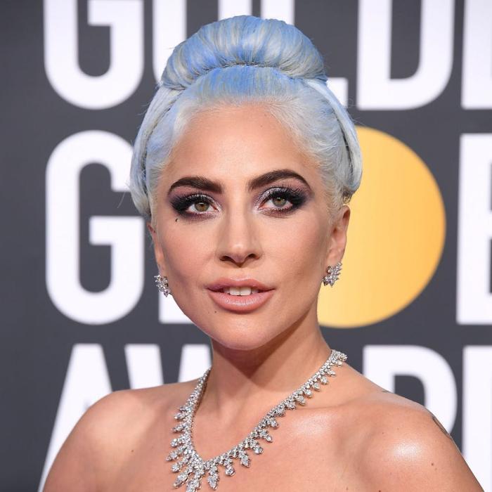 Trendy Haarfarben 2019 Lady Gaga Oscars 2019 silbriges Weiß