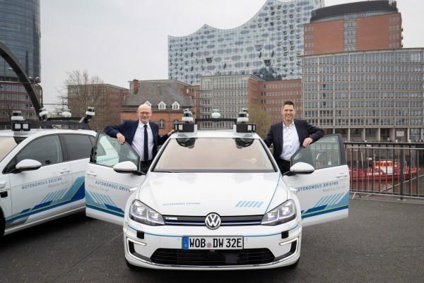 Volkswagen testet selbstfahrende Autos auf den Straßen von Hamburg schon bald auf dem markt