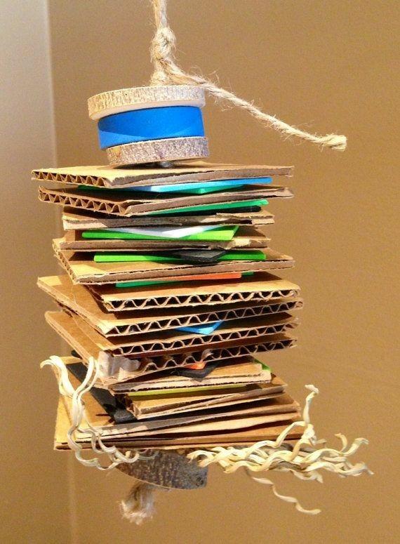 Wellensittich Spielzeug selber bauen DIY Vogelspielzeuge Wellpappe