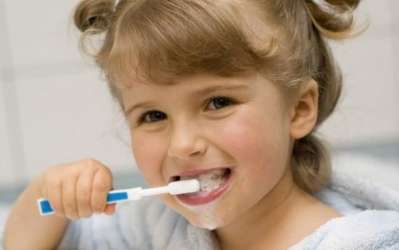 Zahnpasta selber machen Zähne putzen Kinder Zahncreme selber machen