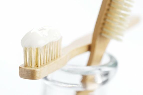 Zahnpasta selber machen Zahnbürste Kinder Zahncreme selber machen