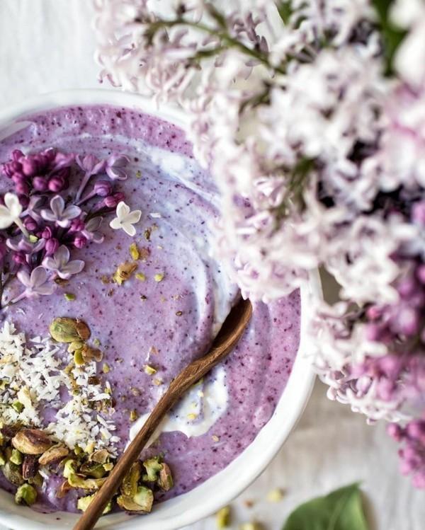 dessert yoghurt flieder essbare blüten