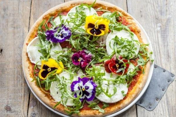 essbare blüten pizza belag ideen