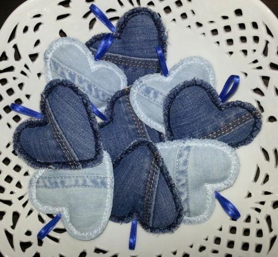 geschenkanhänger basteln jeans upcycling ideen
