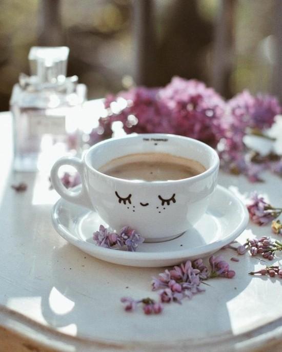 kaffee trinken mit flieder