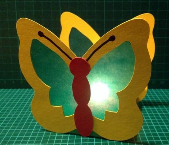 kinderleichte Laternen basteln DIY Papierlaterne Scmetterling