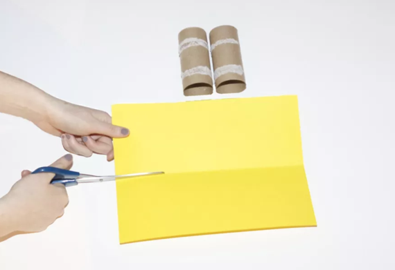 kinderleichte Laternen basteln einfache DIY Papierlaterne Schritt 1