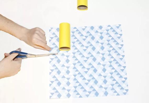kinderleichte Laternen basteln einfache DIY Papierlaterne Schritt 4