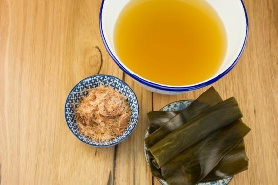 traditionelle japanische Miso Suppe Rezept Dashi Brühe selber kochen