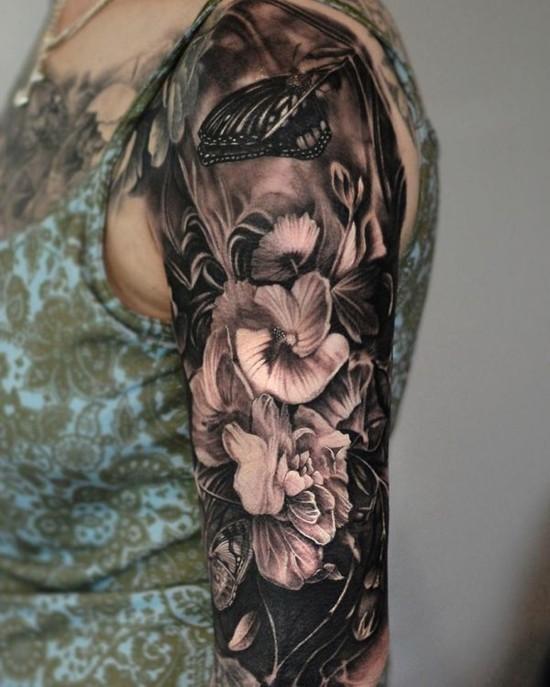 3d blackwork sleeve tattoo ideen für frauen