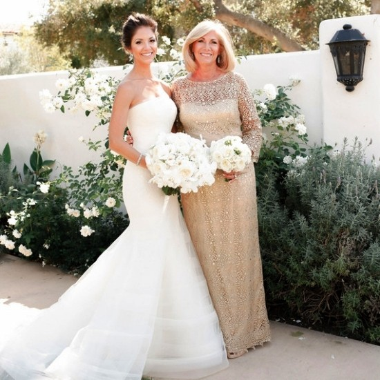 55 festliche Kleider zur Hochzeit für Brautmütter und wichtige Tipps beige gold kleid lang für mutter