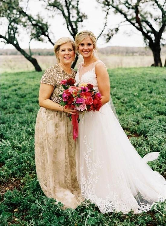 55 festliche Kleider zur Hochzeit für Brautmütter und wichtige Tipps beige kleid lang für feier im freien