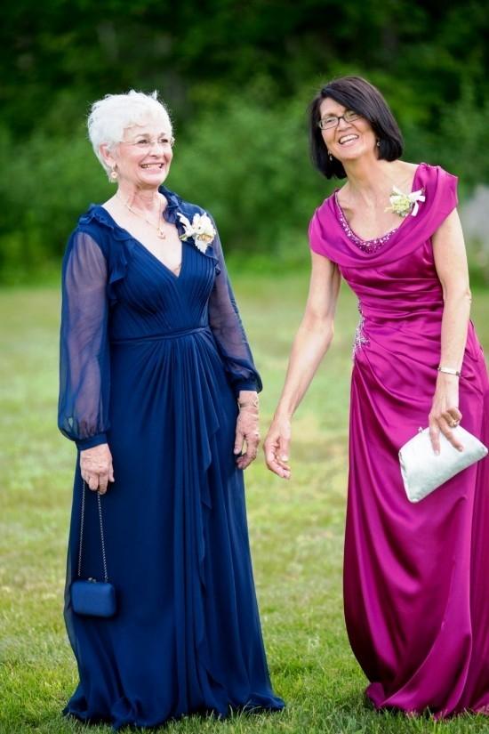 55 festliche Kleider zur Hochzeit für Brautmütter und wichtige Tipps mutter und großmutter in blau und lila