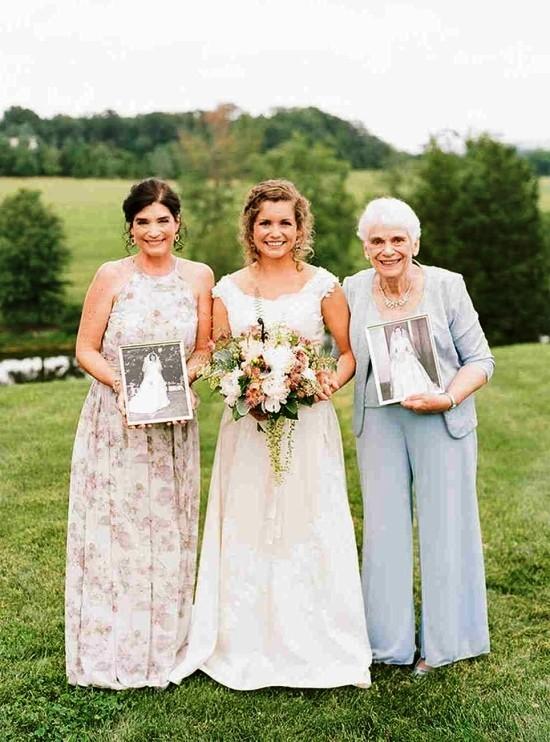 55 festliche Kleider zur Hochzeit für Brautmütter und wichtige Tipps mutter und großmutter neben braut