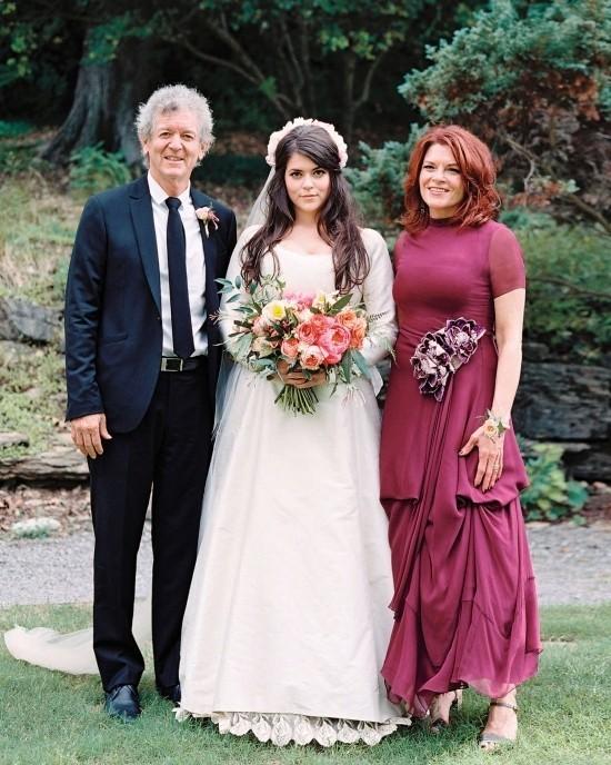 55 festliche Kleider zur Hochzeit für Brautmütter und wichtige Tipps rotes kleid burgunder elegant