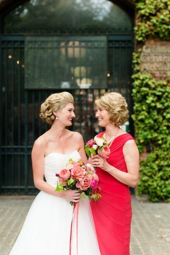 55 festliche Kleider zur Hochzeit für Brautmütter und wichtige Tipps rotes kleid für mutter hochzeit
