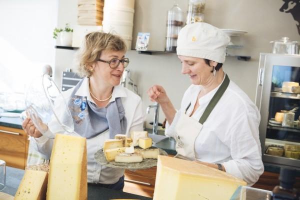 Alpen Feinkost aus Südtirol probieren und ein Stück Natur nach Hause holen alpenweit käse degustieren