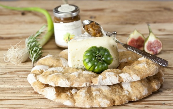 Alpen Feinkost aus Südtirol probieren und ein Stück Natur nach Hause holen alpenweit schüttelbrot chutney käse