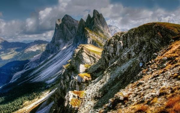 Alpen Feinkost aus Südtirol probieren und ein Stück Natur nach Hause holen alpenweit tiroler berge langschaft