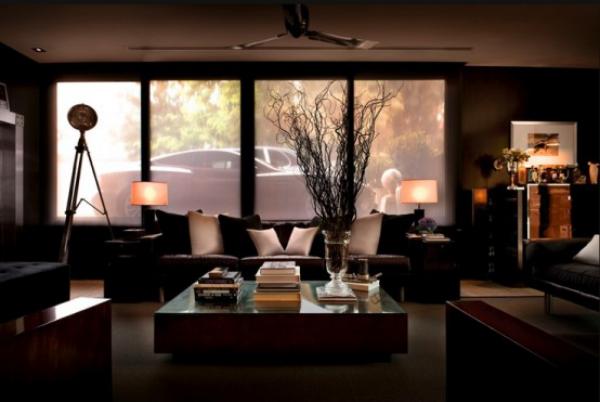 Maskulin und elegant modernes Wohnzimmer dunkles Interieur weiße Akzente