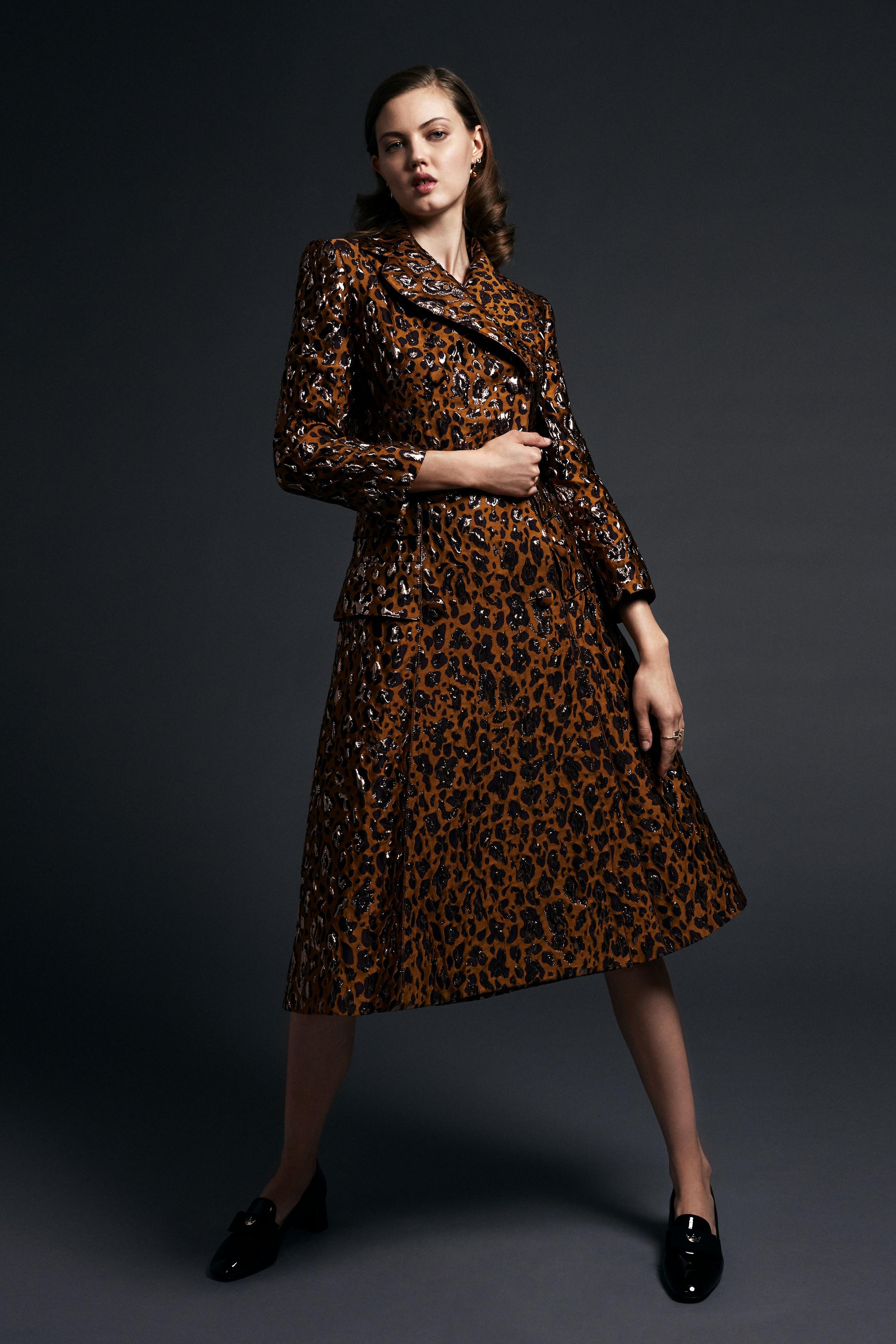 Modetrends braunes Kleid