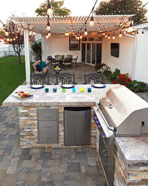 Outdoor Küche eckförmig Steine Granit Arbeitsplatten modernes Grillgerät