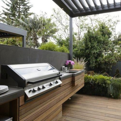 Outdoor Küche interessante Gestaltung Holz Grillgerät