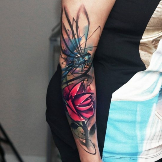 bunte 3d sleeve tattoo ideen für frauen